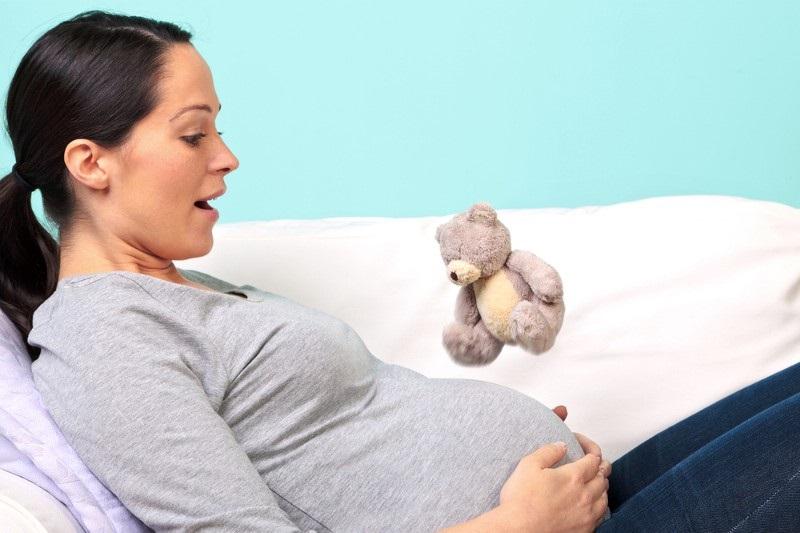 Moms, Ini Fakta-Fakta Unik Seputar Tendangan Bayi dalam Kandungan