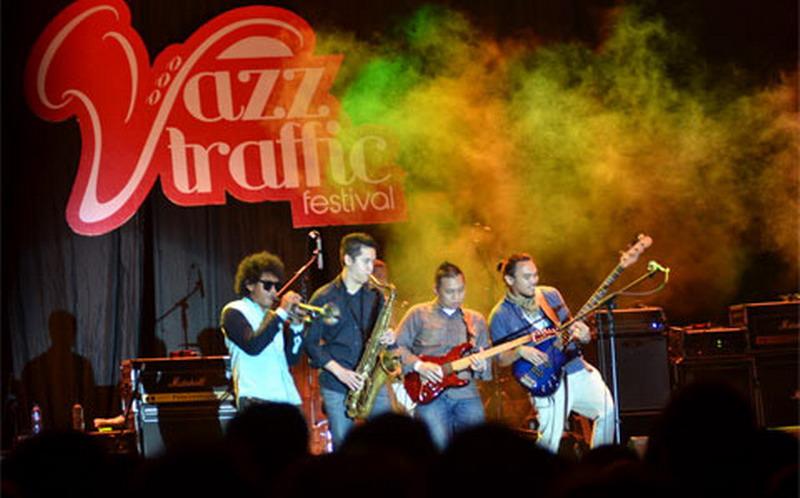 Ilustrasi. Musisi Jazz tengah tampil di panggung (Foto: Okezone)