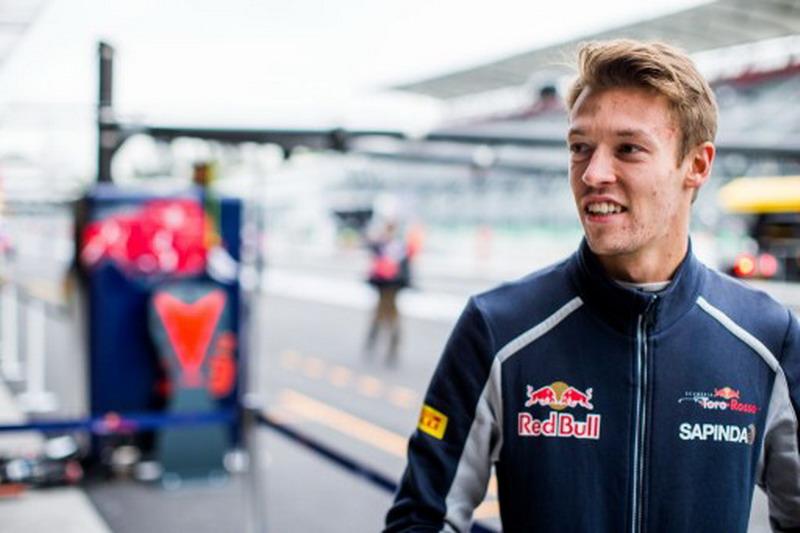 Hasil GP Singapura membuat Daniil Kvyat bertahan di Toro Rosso (Foto: Peter Fox/AFP)