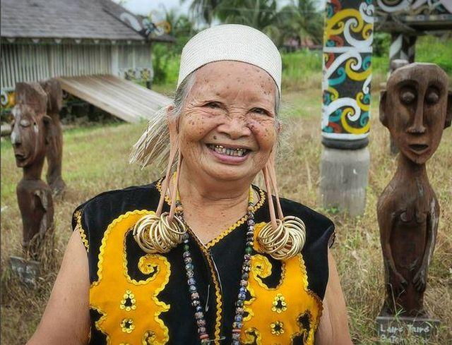 Fakta Menarik Kehidupan Suku Dayak yang Belum Diketahui Banyak Orang