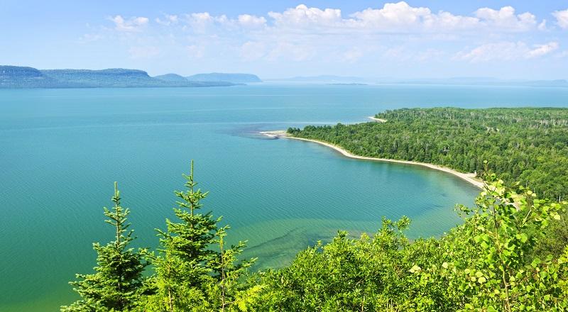 \TOP REVIEW: Asing Boleh Beli Pulau di Indonesia\