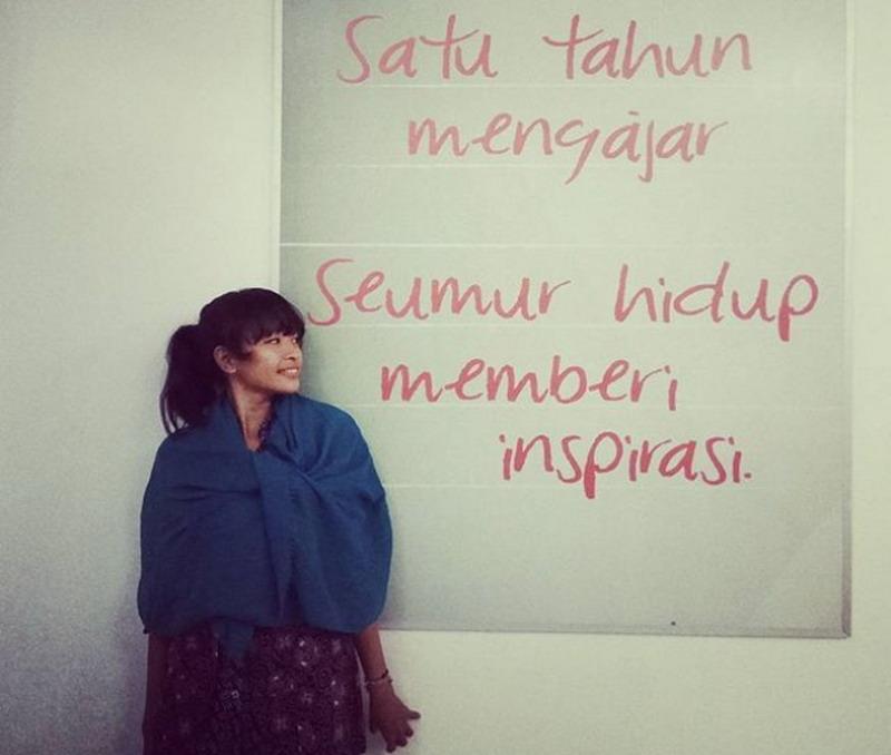 Fenty Vianarika, Anak Muda yang Peduli Pendidikan hingga Ujung Timur Indonesia