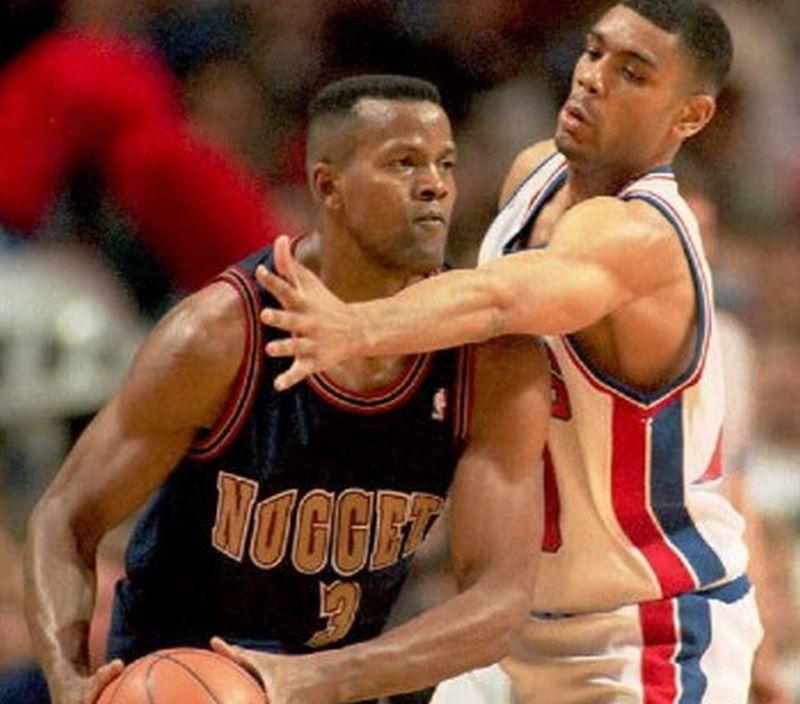 Detroit Pistons melawan Denver Nuggets (Foto: Michael E. Samojeden/AFP)