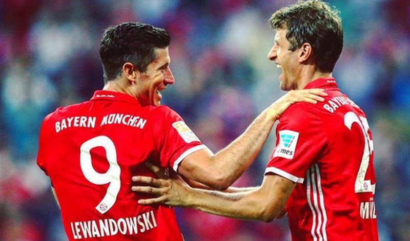 Robert Lewandowski (kiri) dan Thomas Muller (Foto: Instagram resmi Bayern)