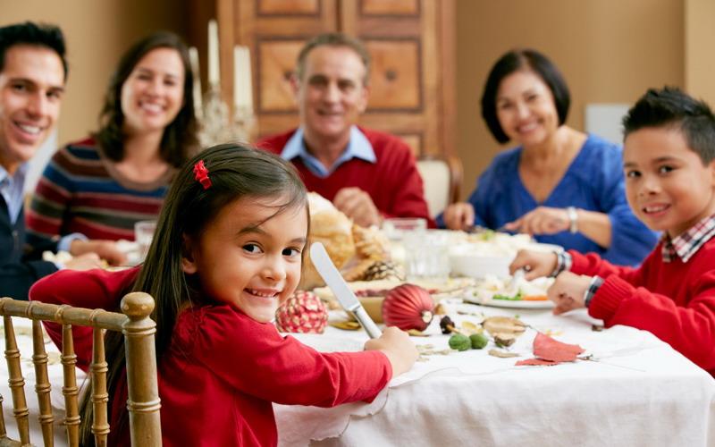 Yuk, Mulai Hari Ini Biasakan Makan Bersama Keluarga, Ini Manfaatnya