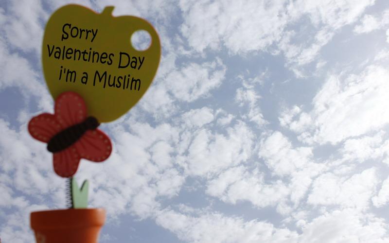 Mengapa Islam Melarang Merayakan Valentine?