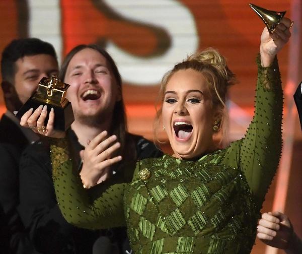 Adele. (Foto: EW)