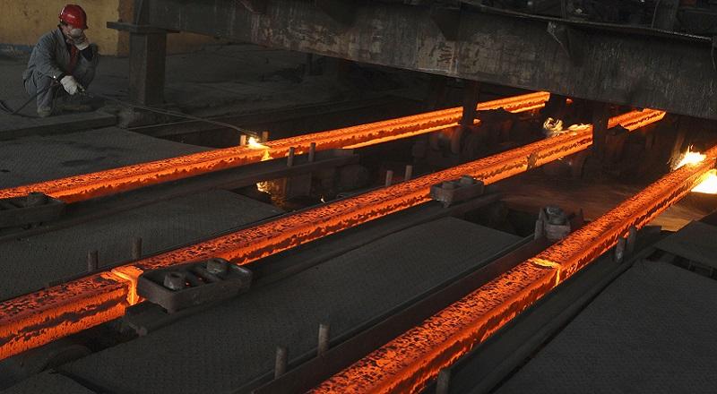 \Industri Baja Lapis Diprediksi Tumbuh 20%\