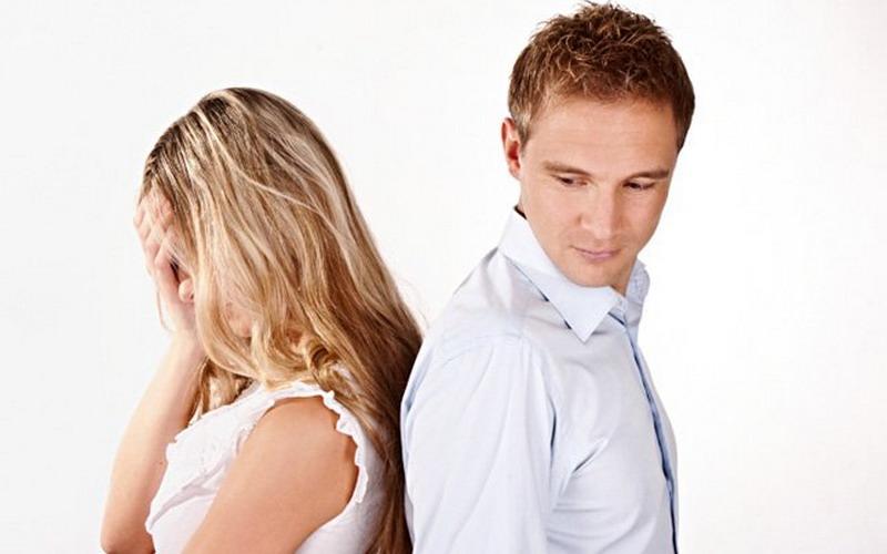 Duh, Lebih Baik Jangan Lakukan Ini jika Tak Ingin Istri Cemburu Buta!