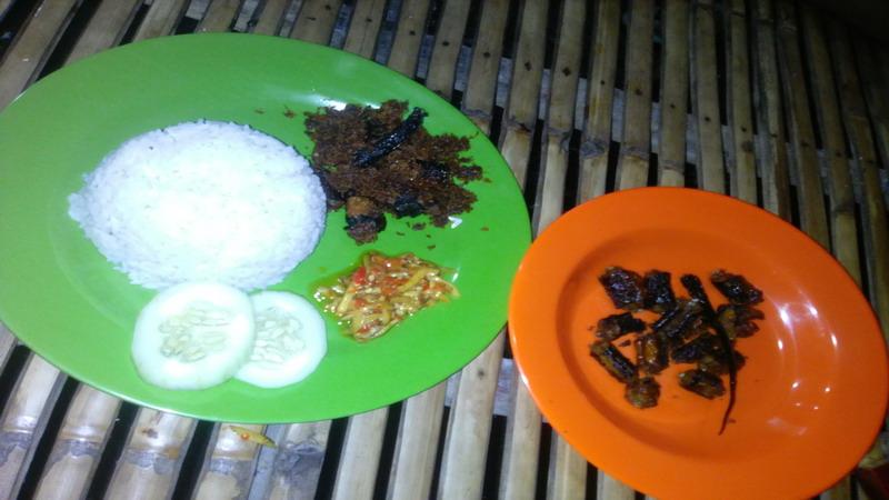 Belut Serundeng, Kuliner Wajib Dicicipi saat Wisata ke Suramadu
