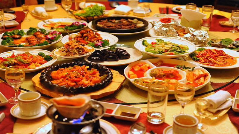 TOP FOOD: Tunjukkan Jari Bertinta Habis Pilkada, Perut Kenyang dengan Promo 5 Restoran Ini
