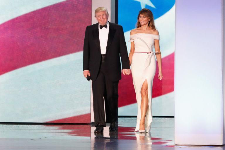 Melania Trump Bergaya Clean-Cut Serba Putih, saat Temui Perdana Menteri Israel