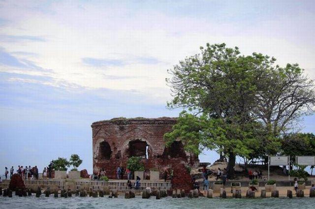 Ada Kasus Pembataian Pejuang di Balik Pesona Romantis Benteng Martello