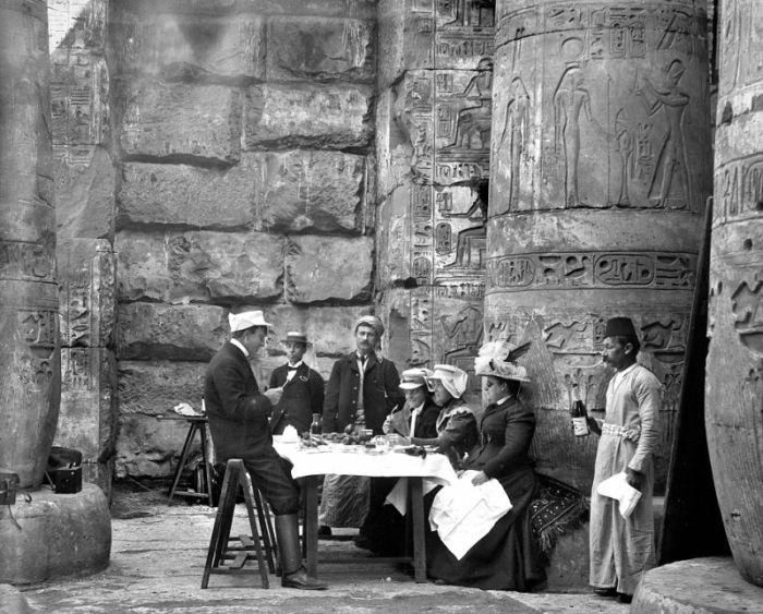 Uniknya Foto Pelancong di Masa Victoria ketika Bertamasya ke Mesir
