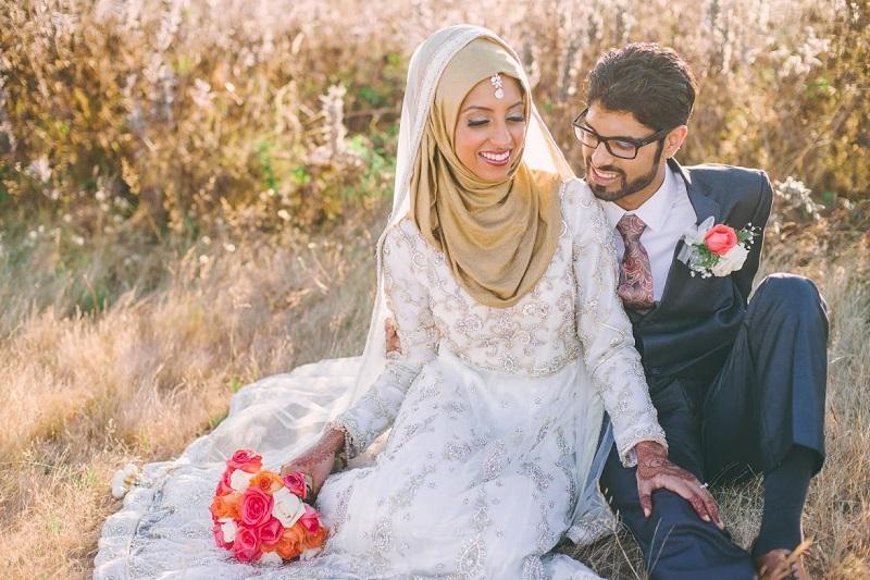 Hijabers, Simak Tips Penting untuk Membuat Gaun Pengantin