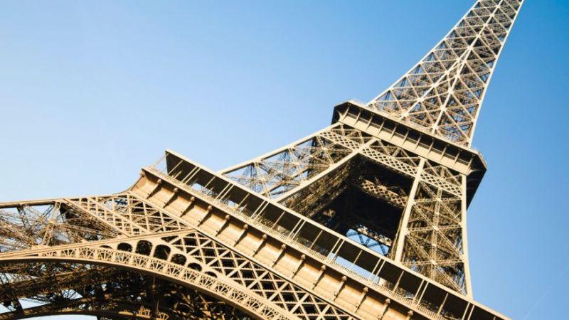 Wow, Menara Eiffel Akan Dipermak dengan Tembok dan Kaca Antipeluru