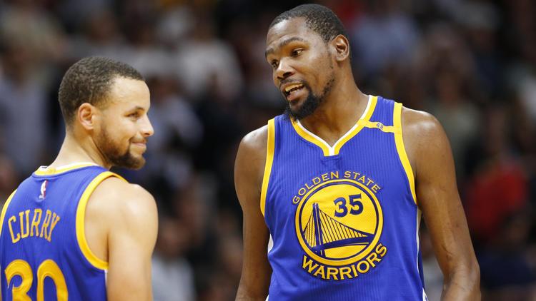 Kevin Durant (kanan) / AP