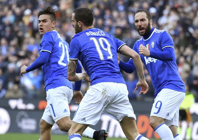 Juventus masih bertahan di puncak klasemen Liga Italia. (Foto: REUTERS/Alberto Lingria)