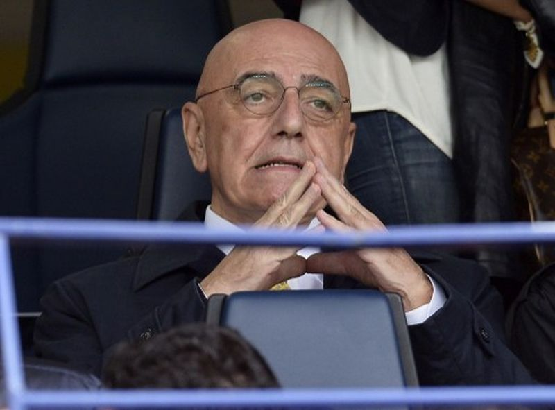 Wakil Presiden AC Milan, Adriano Galliani (Foto: Alberto Lingaria / AFP)