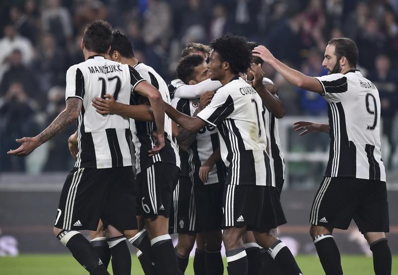 Juventus akan dihadang Milan. (Foto: REUTERS/Giorgio Perottino)