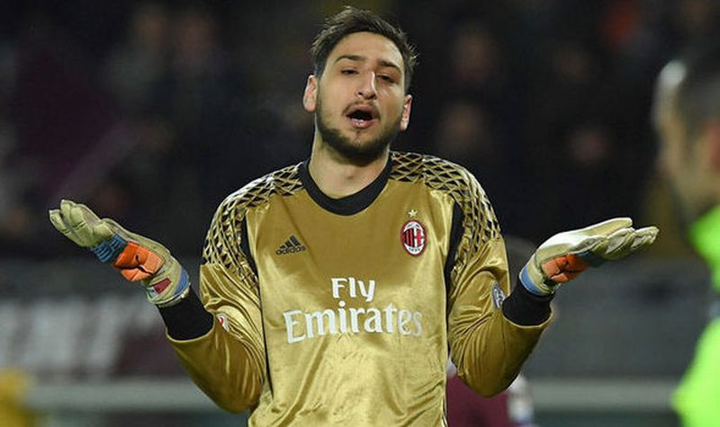 Kiper AC Milan, Gianluigi Donnarumma (Foto: Daily Express)
