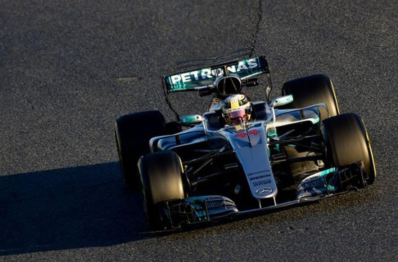 Lewis Hamilton, pembalap Tim Mercedes (Foto: Jose Jordan / AFP)