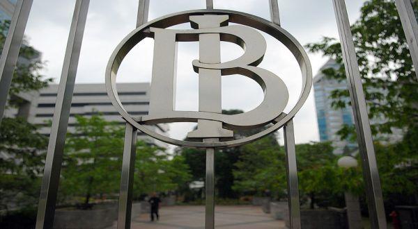 \Neraca Perdagangan Februari Surplus, BI: Positif untuk Kinerja Transaksi Berjalan\