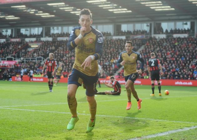 Mesut Ozil Belum Berniat Tinggalkan Arsenal