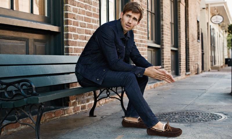 Selain Sneakers, Ini Deretan Sepatu yang Bikin Pria Tambah Keren!
