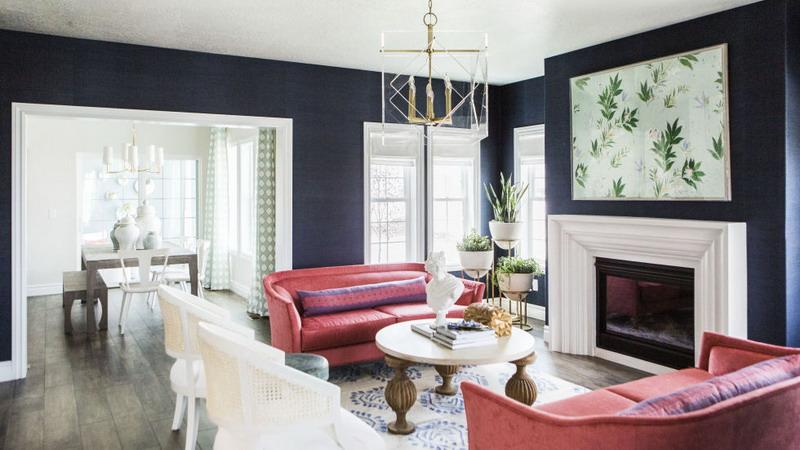 Gunakan Sofa dengan Sandaran Rendah dan Karpet Bermotif Rumit di Ruang Tamu! Hasilnya akan Mewah
