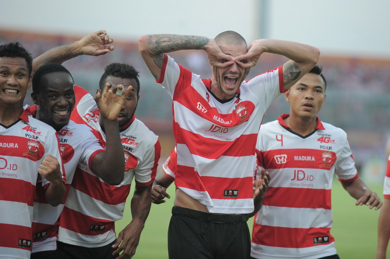 Madura United akan datangkan pemain bintang. (Foto: ANTARA/Saiful Bahr)