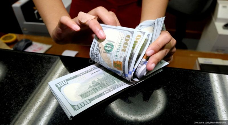\Dolar AS Melemah Dipicu Komentar Pejabat The Fed\