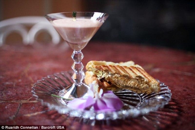 Selain Dilapisi Emas, Sandwich Ini Terbuat dari Bahan-Bahan Langka