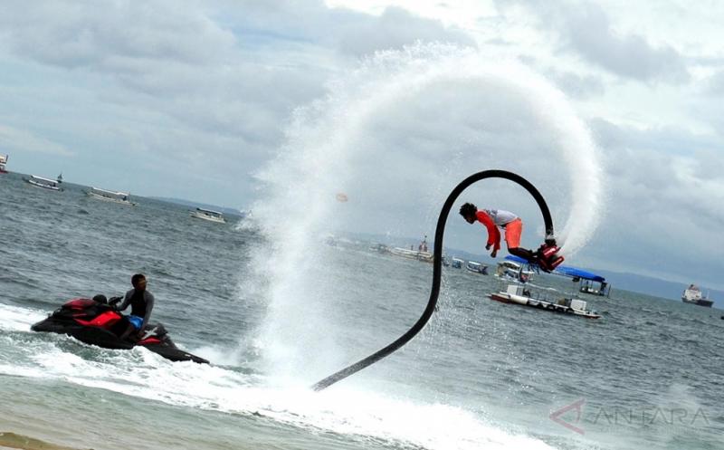 Permainan Seru Tak Ada Habisnya di Pantai Tanjung Benoa