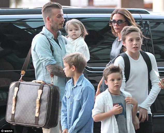 Victoria Beckham Akui Bebaskan Gaya Berbusana Keempat Anaknya