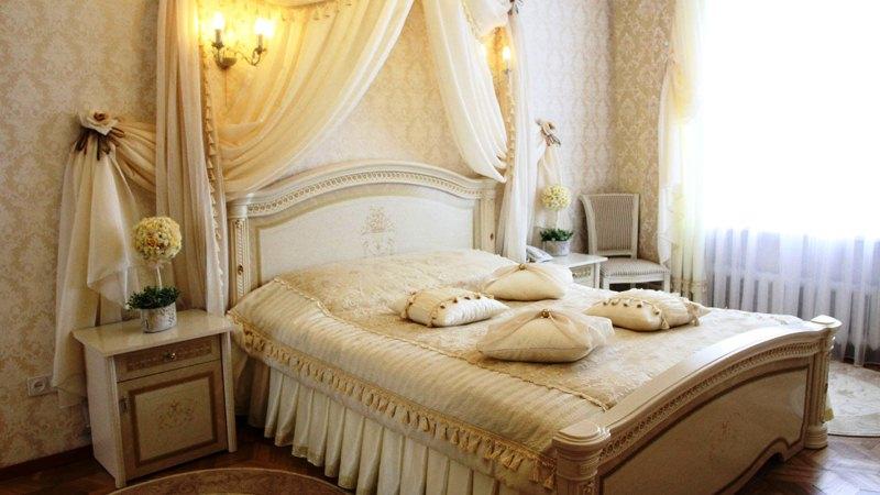 Ingin Tahu Apa yang Harus Ada di Kamar Bertema Romantis? Dengarkan Kata Ahlinya