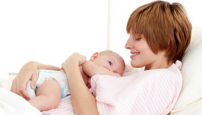 Moms, Begini Tips Menyapih si Kecil dengan Penuh Cinta