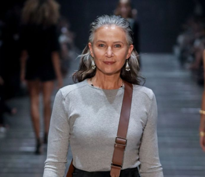 Lagi, Wanita Lanjut Usia Jadi Model Catwalk di Pagelaran Busana Bergengsi