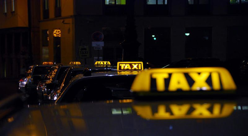 \Tak Langsung Kena Sanksi, Jika Go-Jek Cs Langgar Aturan Taksi Online\