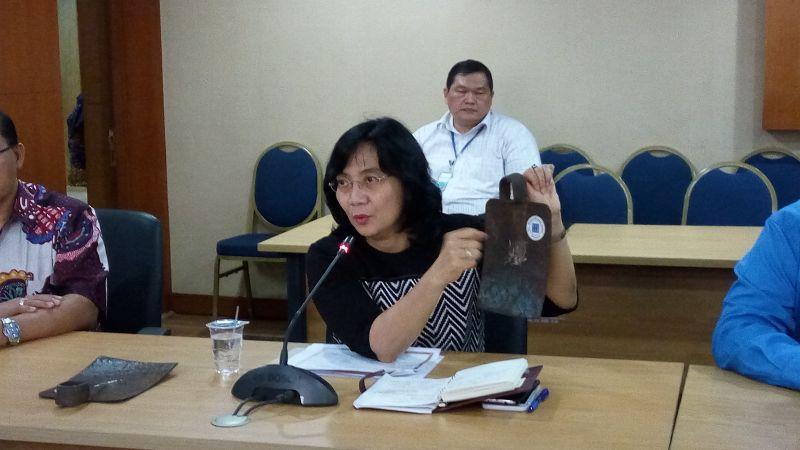 \Tak Lagi Impor, Cangkul Made in Indonesia Siap Produksi Massal\