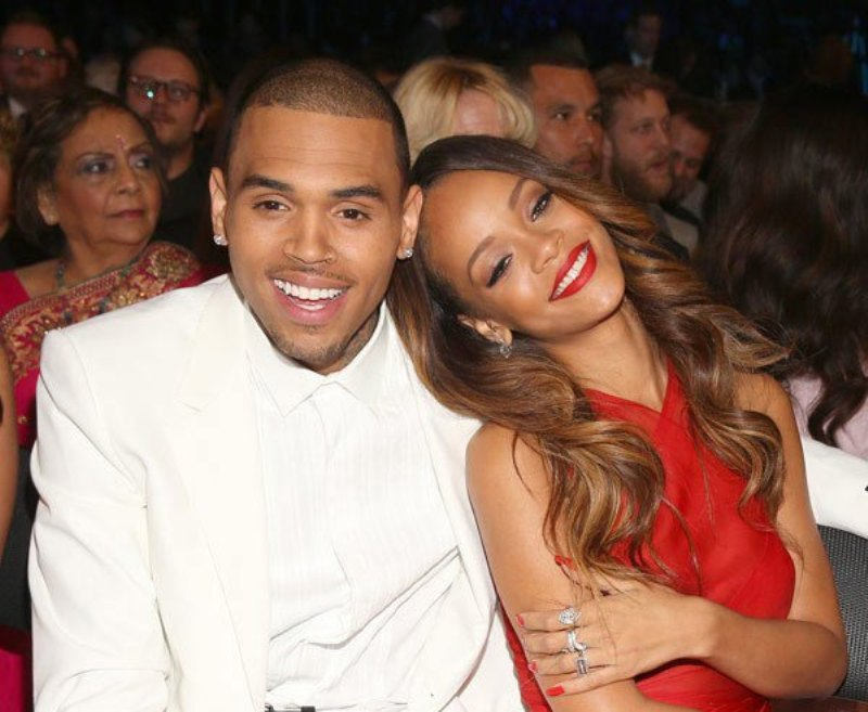 Chris Brown dan Rihanna (Foto: Hollywoodlife)