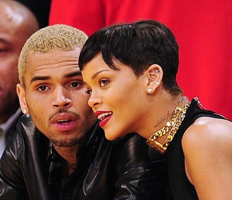 Chris Brown dan Rihanna (Foto: Hollywoodlife)