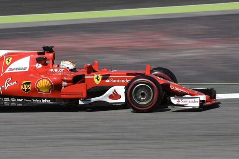 Sebastian Vettel saat tes pramusim kedua di Sirkuit Catalunya (Foto: Lluis Gene/AFP)