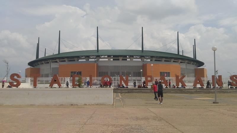 Stadion Pakansari mulai dipadati penonton. (Foto: Putra/Okezone)