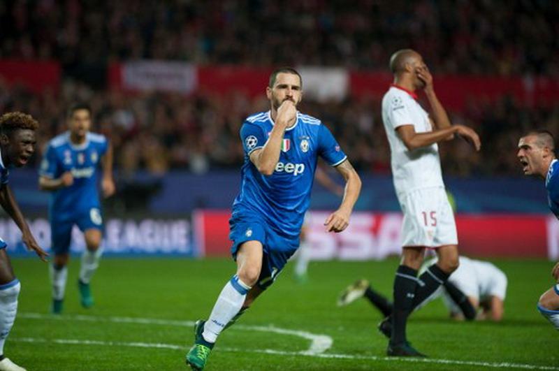 Bonucci saat membobol gawang Sevilla. (Foto: AFP/Jorge Guerrero)