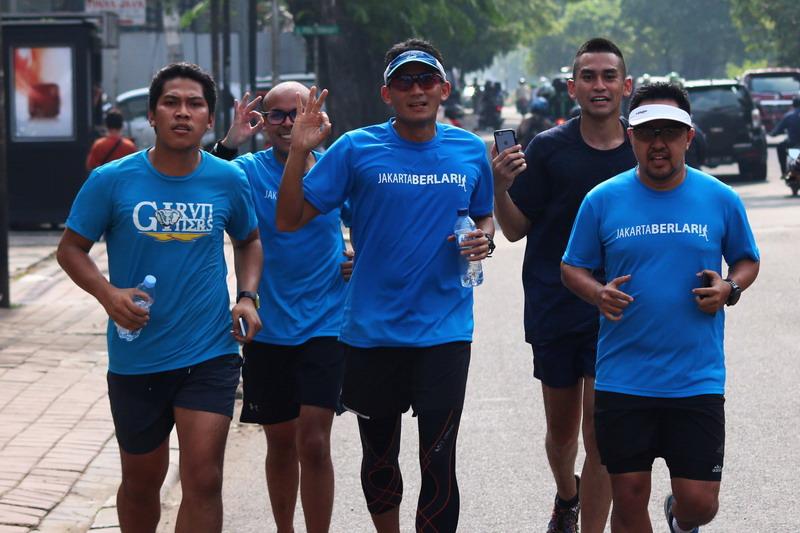 Sandiaga Uno saat melakukan aktivitas favoritnya, berlari. (Foto: ANTARA/Rivan Awal Lingga)