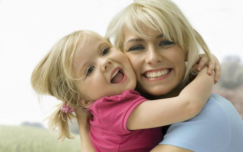 Lindungi Anak dari Kekerasan, Ibu Muda Harus Paham Model Parenting seperti Ini!