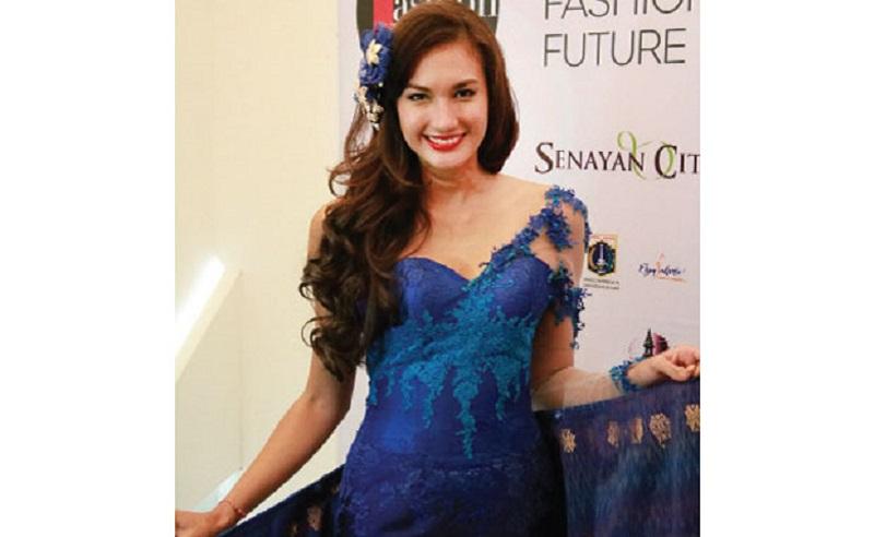 \Sangat Menjanjikan, Nadine Chandrawinata Rintis Bisnis Clothing Line\