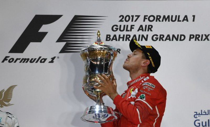 Sebastian Vettel juara di GP Bahrain 2017 (Foto: AFP)