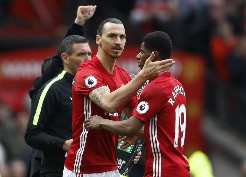 Ibrahimovic hanya jadi cadangan Rashford saat Man United kalahkan Chelsea 2-0. (Foto: REUTERS/Carl Recine)